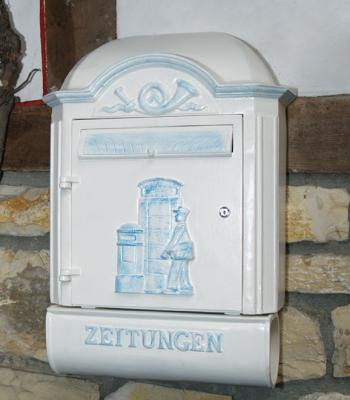 Solid Wall Mailbox with Newspaper Roll Nr.1513
