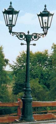 Zweiarmige Altstadtlaterne Nr.1562
